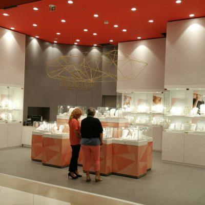 carcasse abat-jour diamant 3,60 m en situation pour les magasins Or de Carrefour